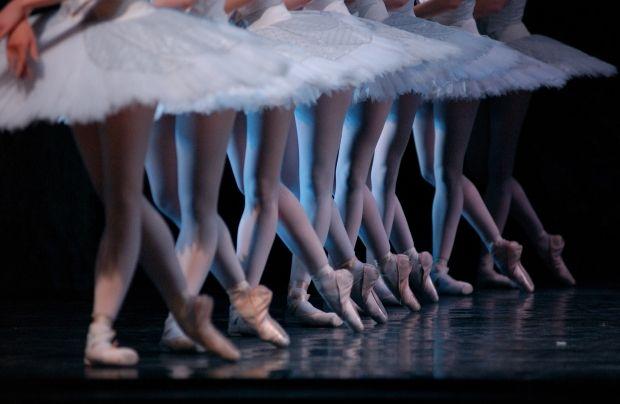 """У Тернополі школяр не хотів йти на танці, тому """"замінував"""" житло викладачки / фото protanec.com"""