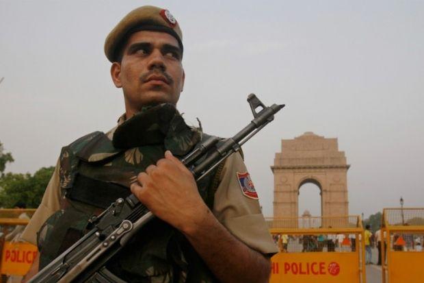 индия полиция / thelogicalindian.com