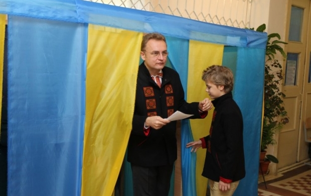 The voter turnout during the second round of the Lviv mayoral election was 39% / Photo from UNIAN