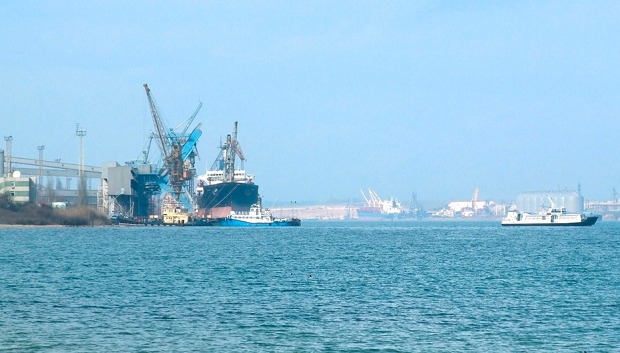 Yuzhny Port / Photo from uk.wikipedia.org