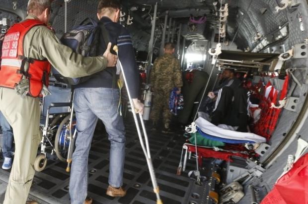 14 раненых военнослужащих направили на лечение за границу / Фото: УНИАН