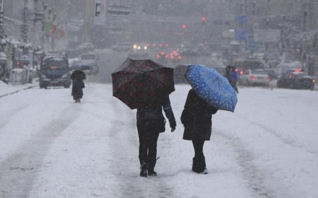 З ночі 13 листопада і до кінця дня 14 листопада у столиці очікується сильний снігопад / Фото УНІАН