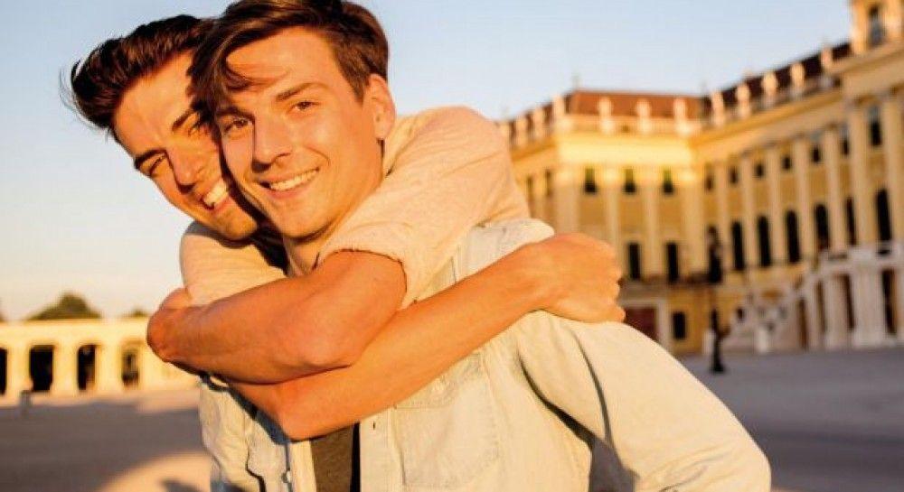 Картинки по запросу гей знакомства