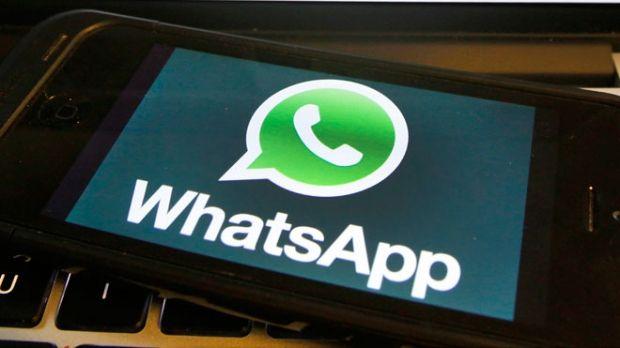 Зловмисники можуть заблокувати користувача від доступу до його облікового запису WhatsApp / Ілюстрація REUTERS