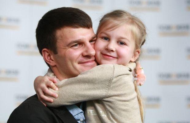 Ахметова, Сиротству нет / Фото: Пресс-служба Гуманитарного штаба Рината Ахметова
