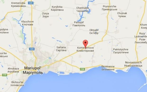 The recently occupied village of Kominternove is 23 km away from the Ukrainian city of Mariupol / Map