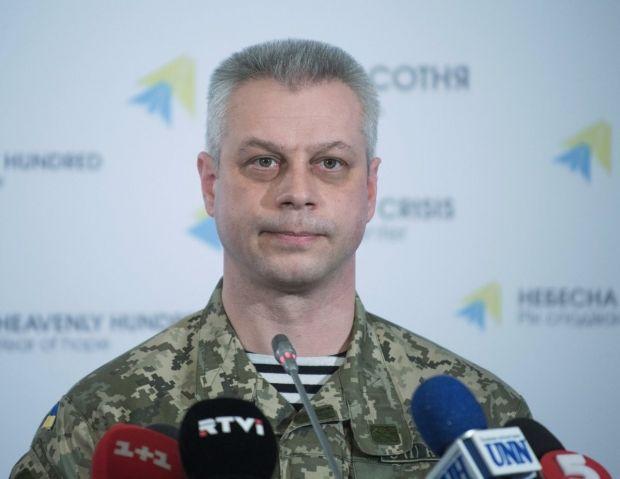 Лысенко заявил, что в октябре было совершено 1322 обстрелы сил АТО / Фото УНИАН