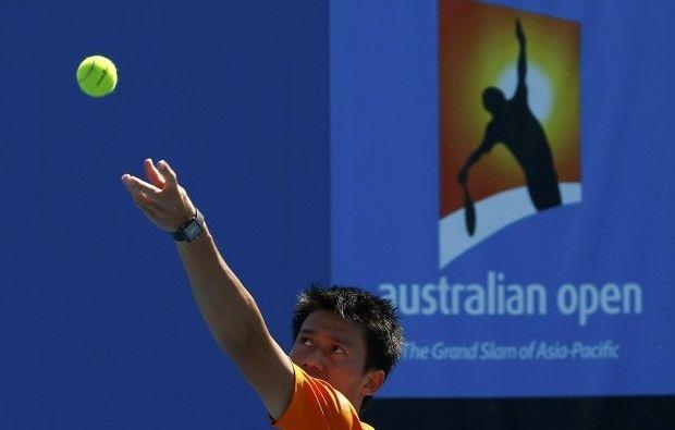 НаAustralian Open теннисисты проводят полные пятисетовые матчи / REUTERS