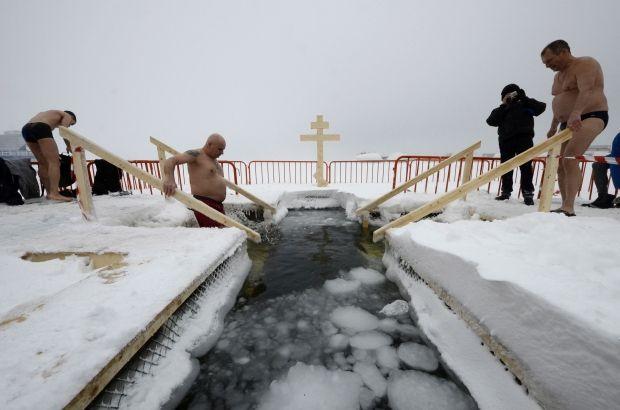 19 января - праздникКрещения Господнего / иллюстрация / REUTERS