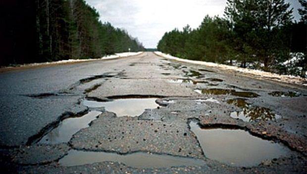 """Омелян заявил, что """"Укравтодор"""" отвечает лишь за 47 тыс.км дорог по всей стране / фото zn.ua"""