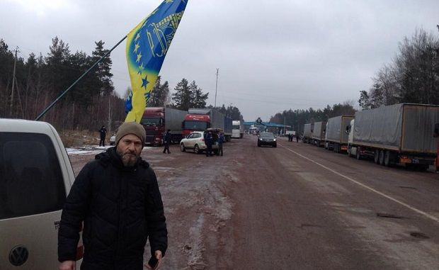 Russian trucks are being blocked in Zhytomyr region / AutoMaidan Zhytomir