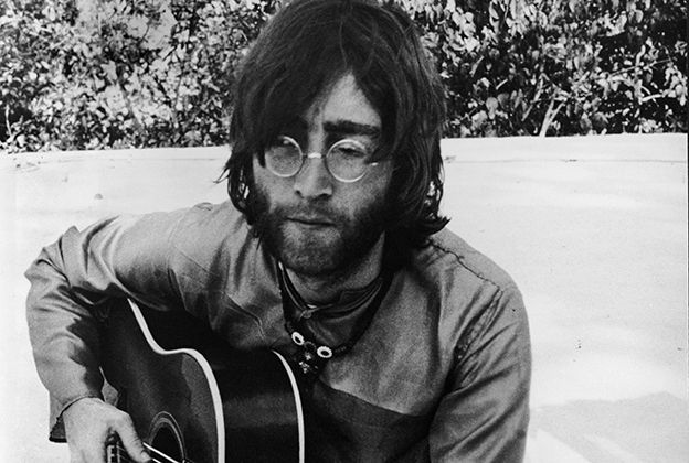 Джон Леннон мертвий / фото rollingstone.com