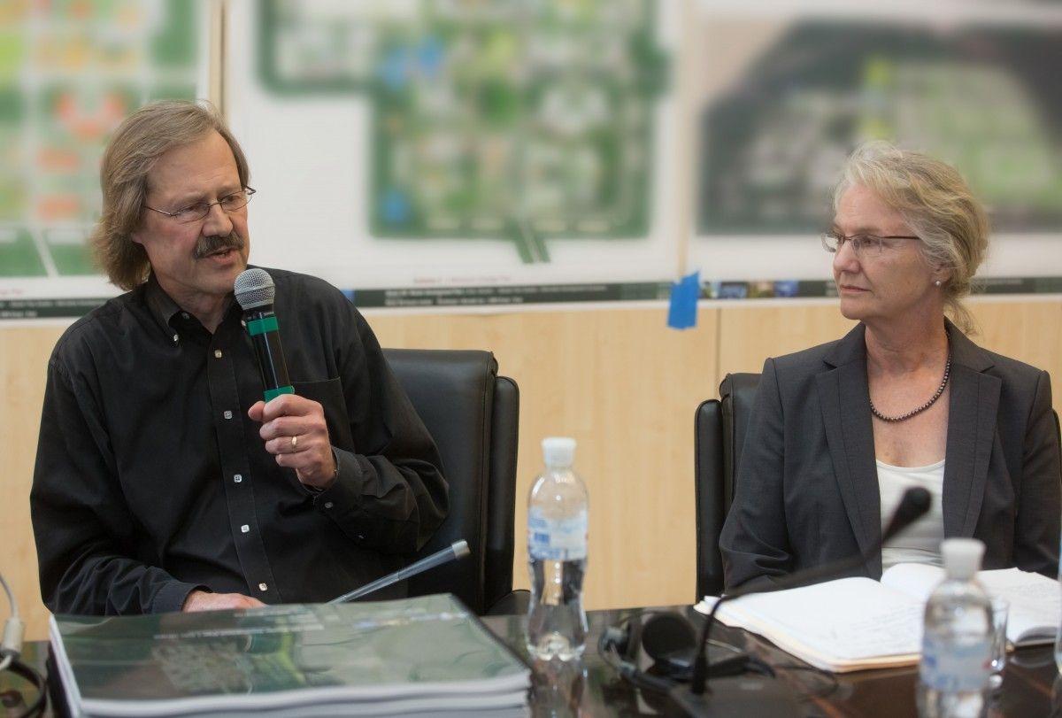 Концепцію BIONIC Hill представляють американські архітектори Бертон Міллер і Елізабет Шрів (Київ, 2013 роки рік)