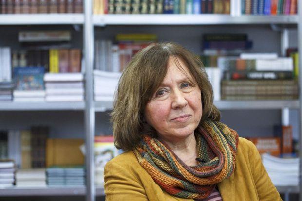 Алексиевич сравнила репрессии Лукашенко со временами Сталина / фото REUTERS