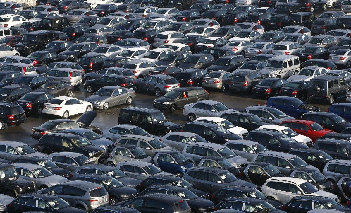 Базовая ставка— это ставка налога веврозаодно транспортное средство, которая определяется исходя изего возраста / Иллюстрация REUTERS