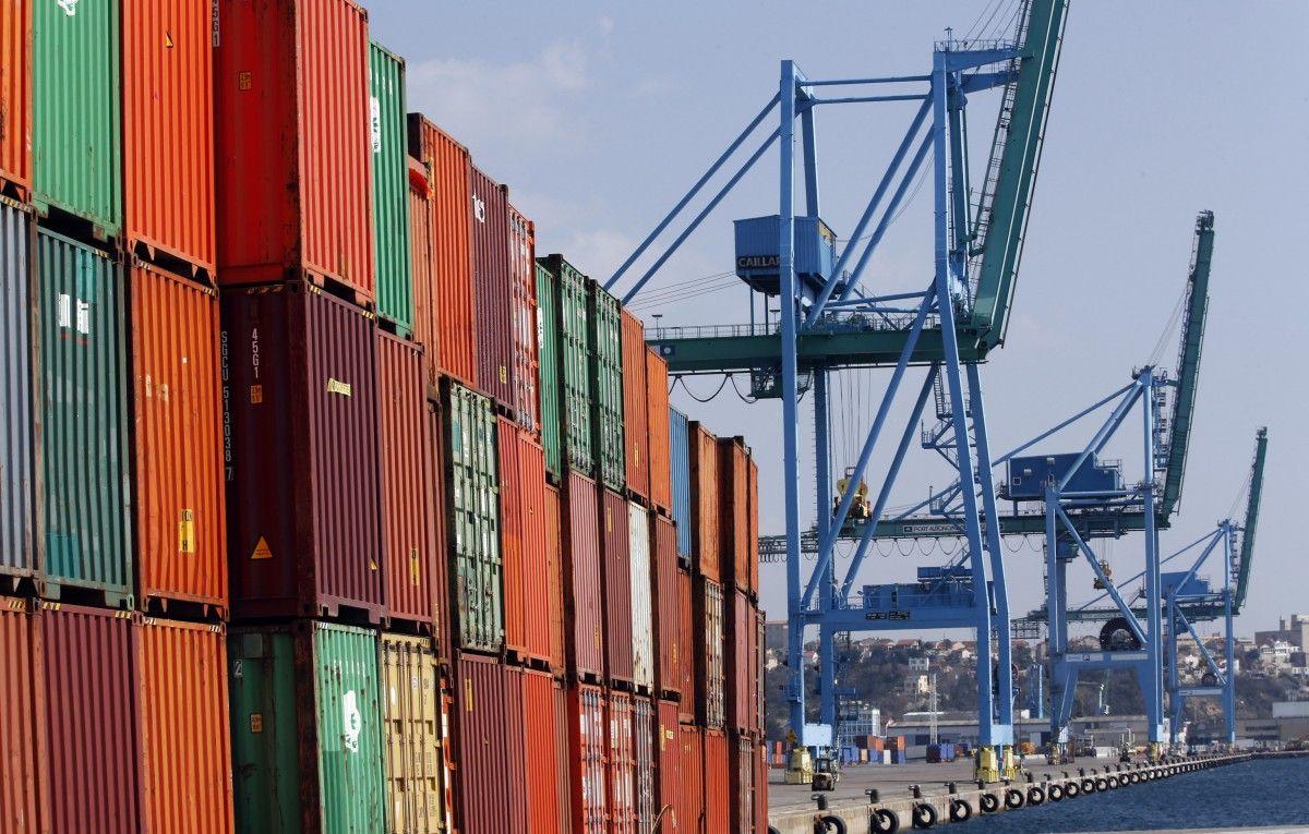 Украина в октябре существенно увеличила экспорт и сократила импорт / REUTERS