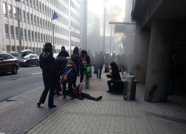 В результате терактов в метро Брюсселя погибли не менее 10 человек / twitter.com/PaulineArmandet