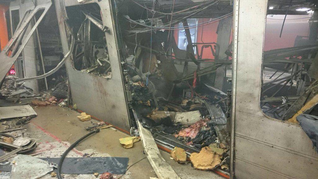 Из-за взрыва в брюссельском метро погибли 10 человек / @alxdm