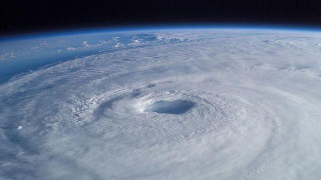К озоноразрушающим веществам относятся некоторые лаки и краски / NASA