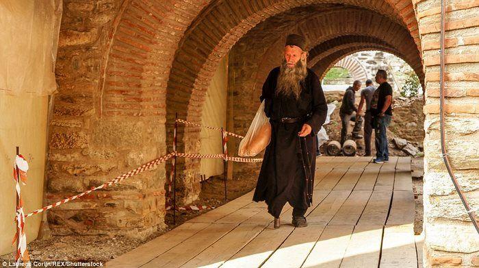 Повседневная жизнь монахов.