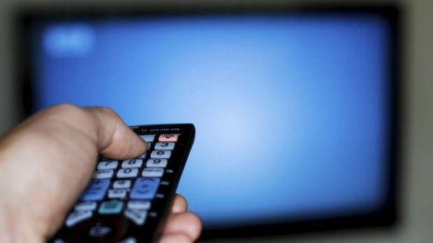 Ученые установили, что перекусывать перед телевизором опасно для здоровья \ rusbase.vc