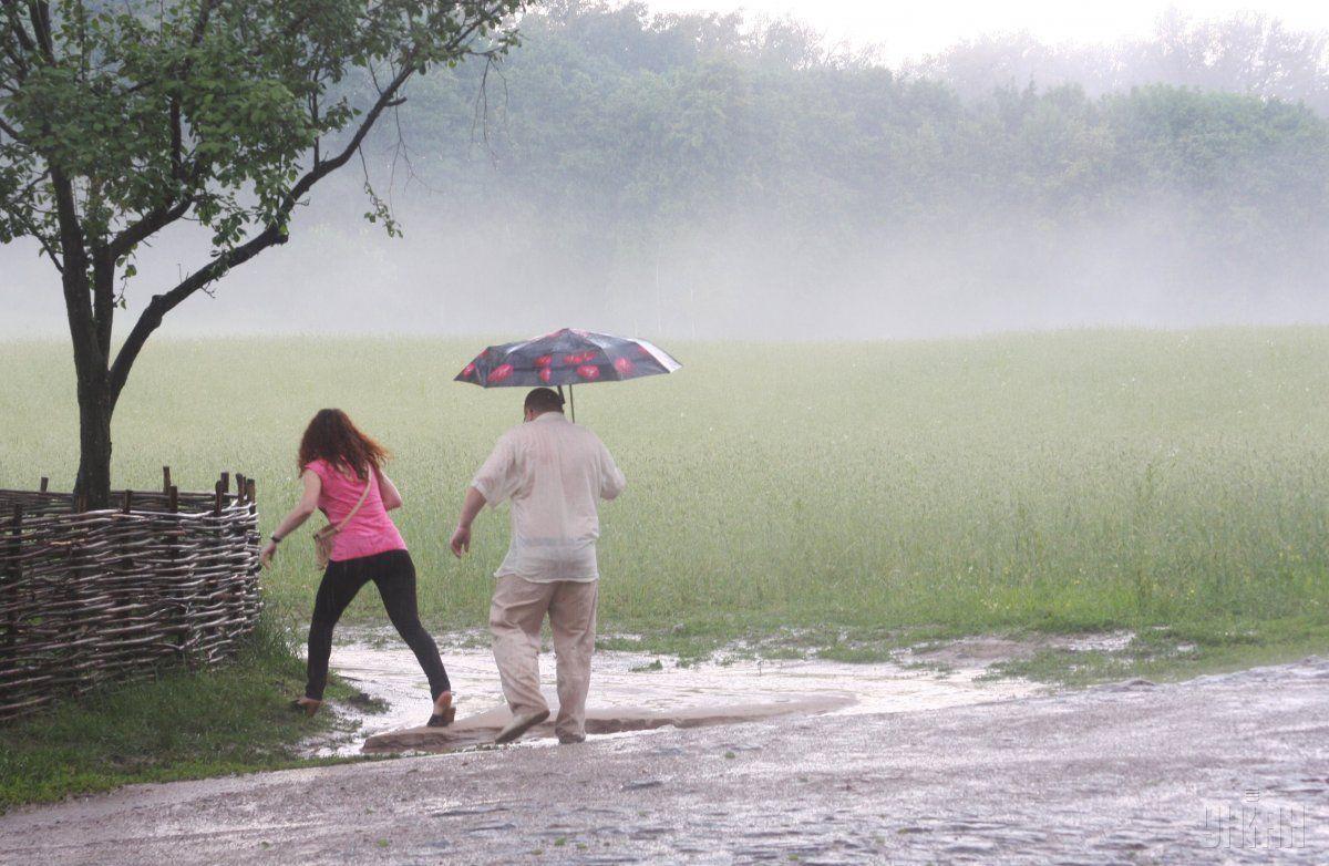 Завтра в деяких регіонах очікуються сильні дощі / Фото УНІАН