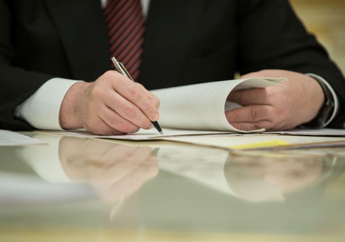 Порошенко подписал закон о запрете гражданам РФ быть наблюдателями на выборах в Украине / фото president.gov.ua