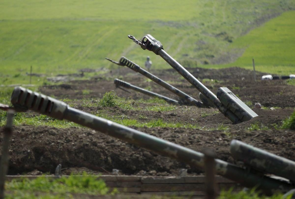 Вірменію та Азербайджан просять проявити відповідальність і стриманість / Ілюстрація REUTERS