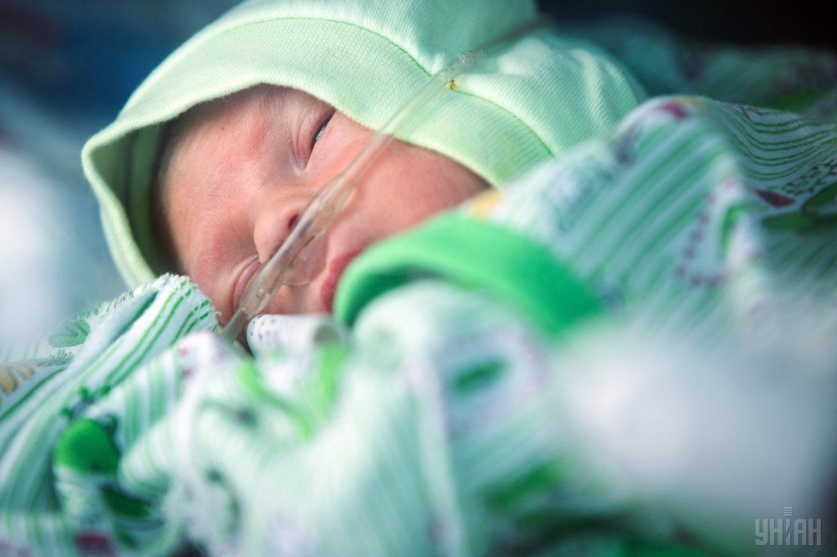 родители доставили 3-х месячного сына с жалобами на повышенную температуру тела / Фото: УНИАН