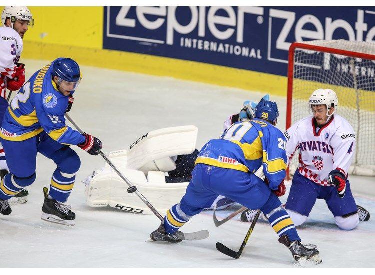 Сборная Уураины выиграла второй матч подряд в Загребе / wmib2016.iihf.com