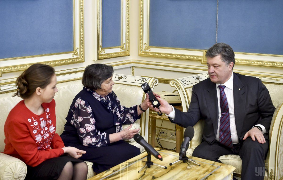Savchenko had the opportunity to talk on the phone with her relatives / Photo from UNIAN