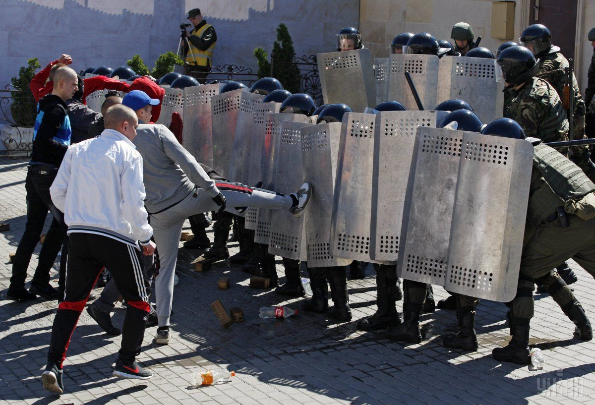 Безпекові навчання біля Посольства Азербайджану в Києві / УНІАН