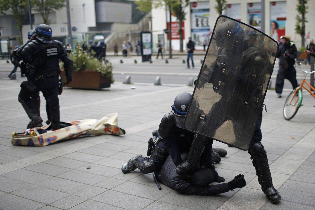 Картинки по запросу аресты демонстрантов франция