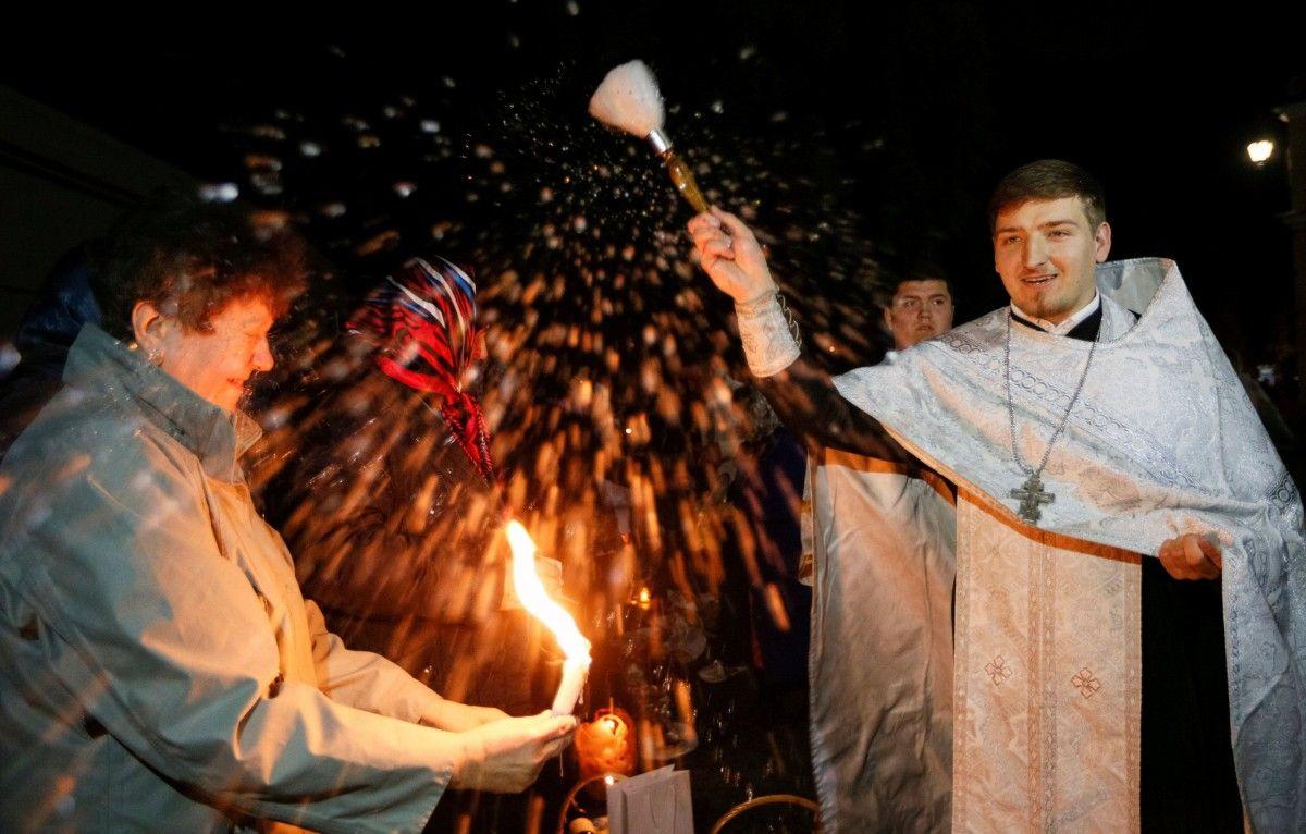 Служба во Владимирском соборе, иллюстрация / REUTERS