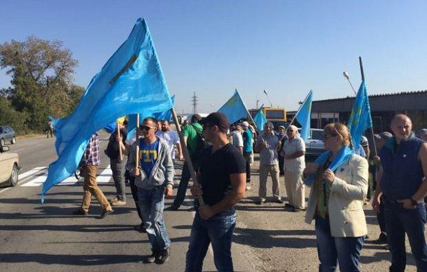 Активісти очікують різного роду провокації і готові впоратися з ними / Фото Ayder Muzhdabaev