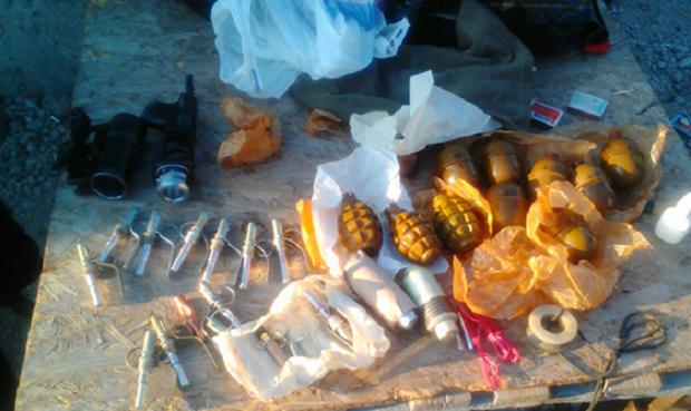 Місцевий житель виявив схрон зі зброєю та боєприпасамифото ГУ НП Дніпропетровської області