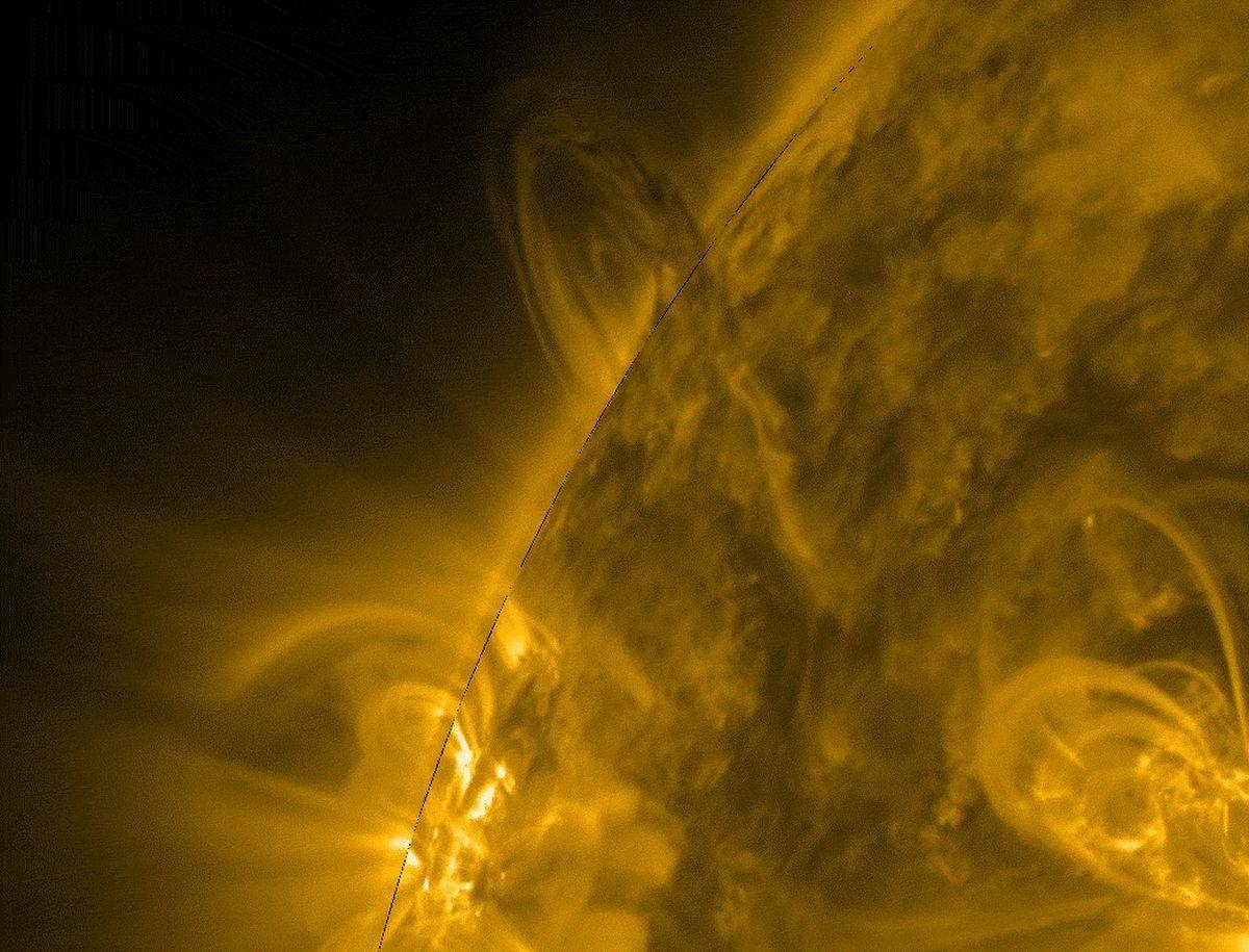 Выброс перегретого газа не влияет на работу спутников / фото - NASA SDO