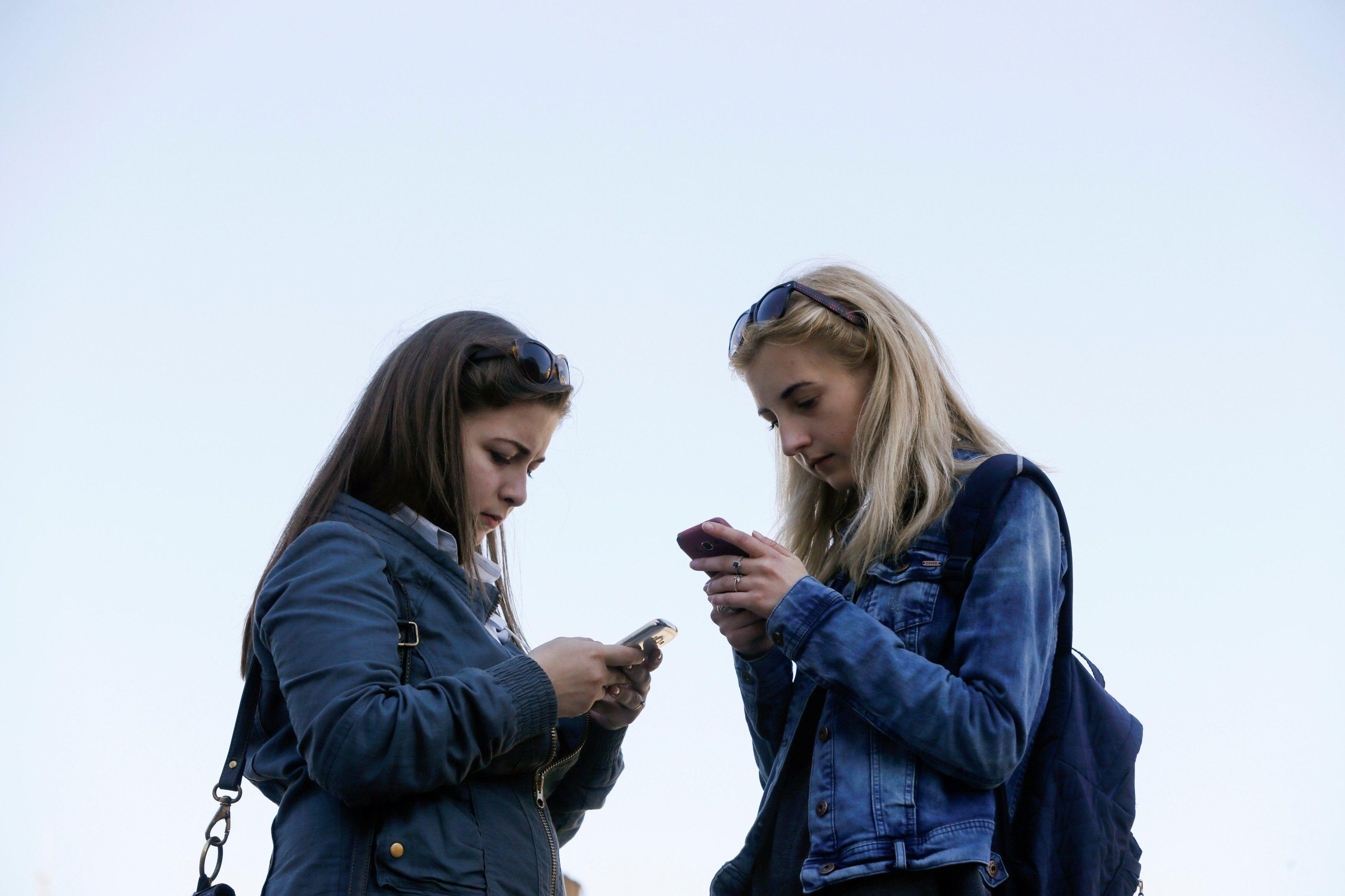 Минцифры намерено обеспечить доступным интернетом всю страну /REUTERS