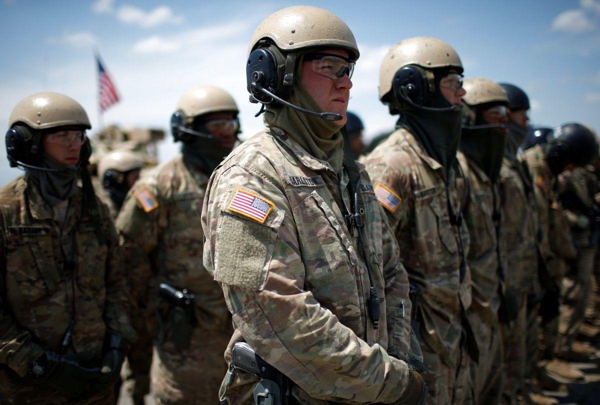 Военные армии США на церемонии открытия учений / REUTERS
