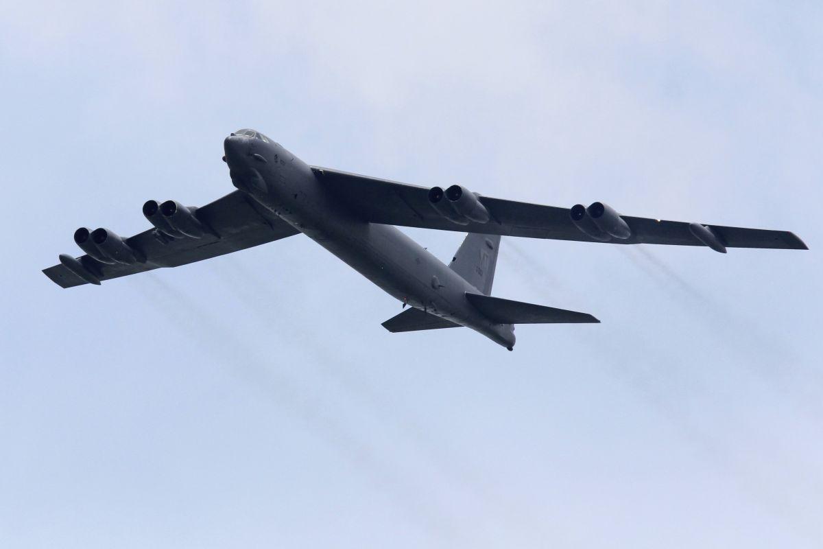 Бомбардировщик B-52 / REUTERS