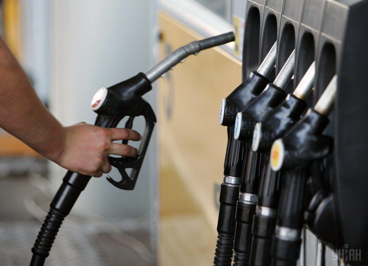 Снижение цен на топливо всегда происходит медленнее, чем рост / Фото УНИАН