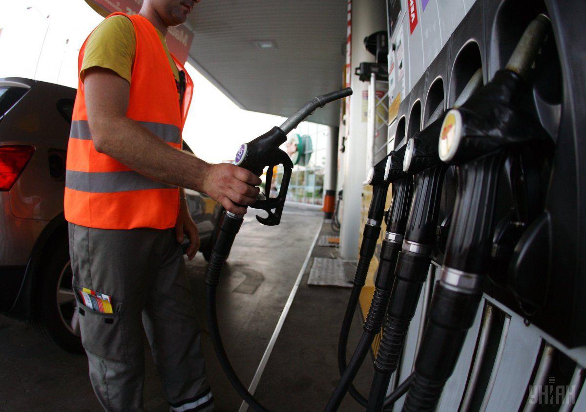 В Україні дорожчає бензин і дизпаливо / фото УНІАН