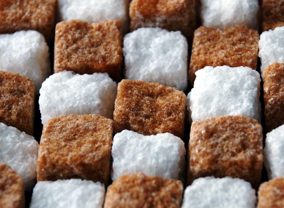 Эксперт анонсировал удешевение сахара / фото: bit.ua