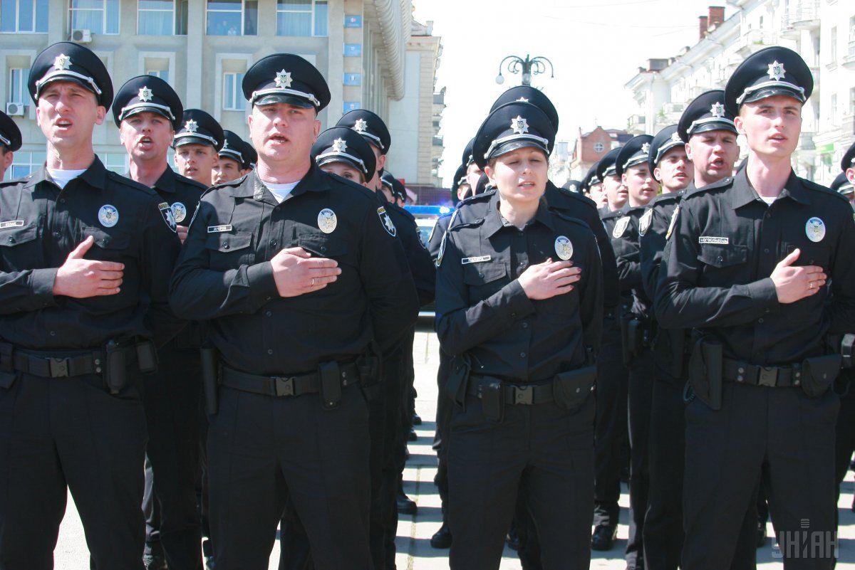 Полицейские, в частности, обязаны безусловно выполнять приказы руководителей \ Фото УНИАН