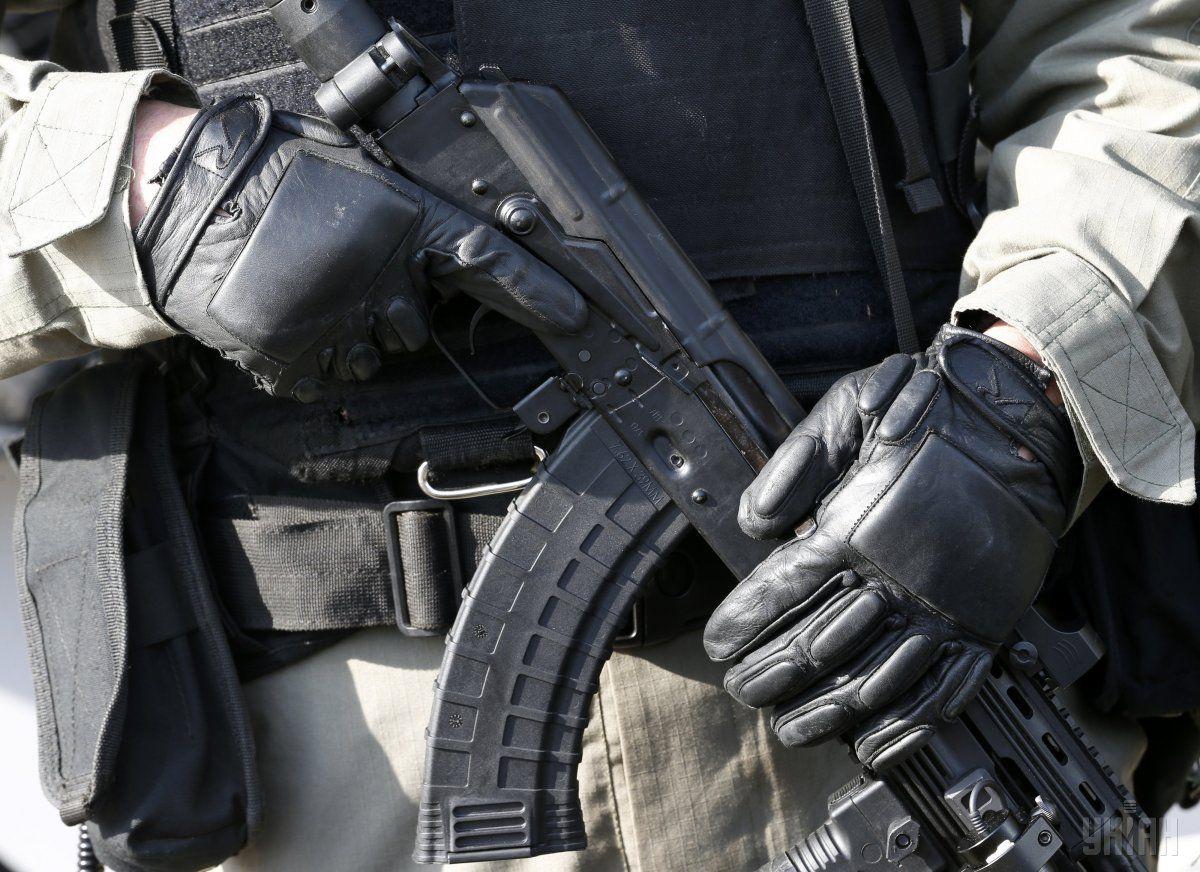 Сопровождение бюллетеней из окружкомов в ЦИК будут обеспечивать спецназовцы полиции / фото УНИАН