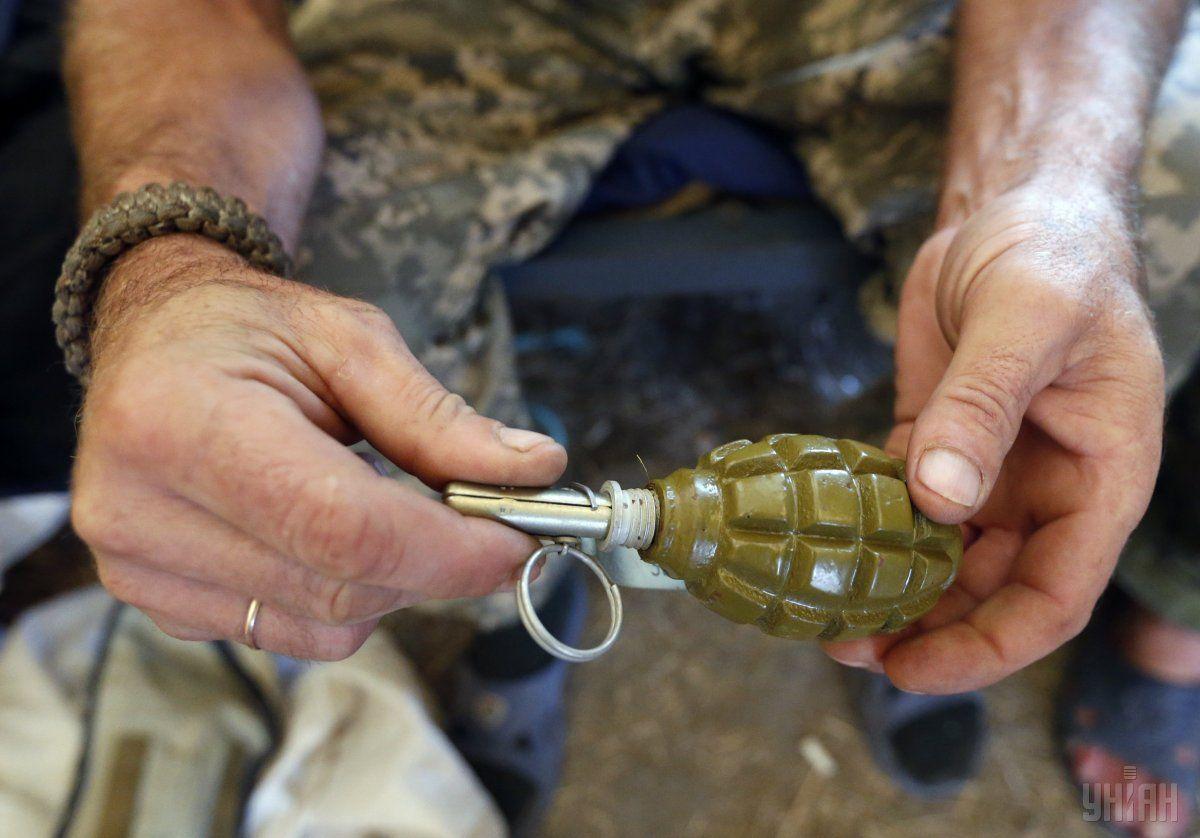 Зовні його корпус був схожий на бойову гранату Ф-1, однак всередині не виявилося вибухової речовини —тротилу / фото УНІАН