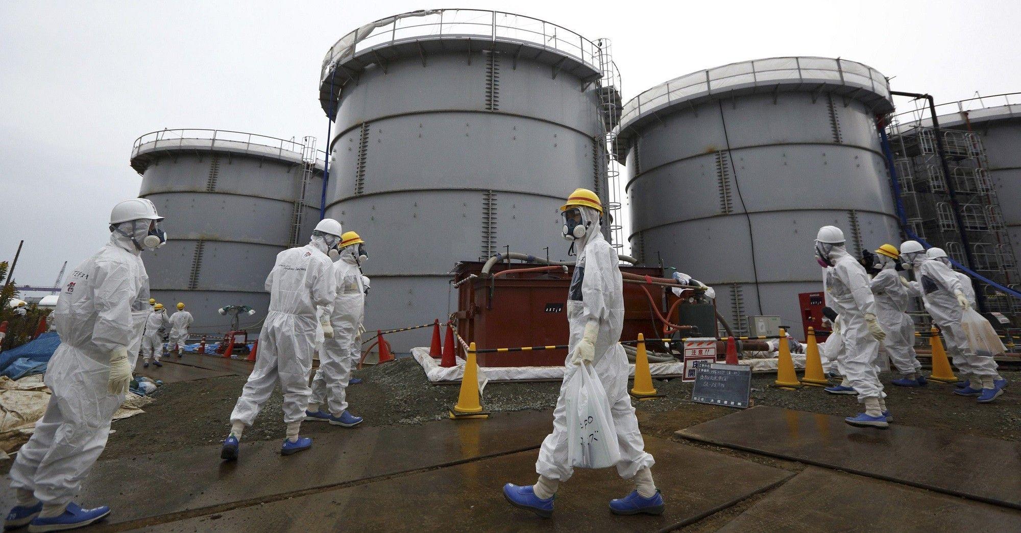 В Японии врачи отслеживают состояние людей, которыеподверглись радионуклидному загрязнению / фото REUTERS