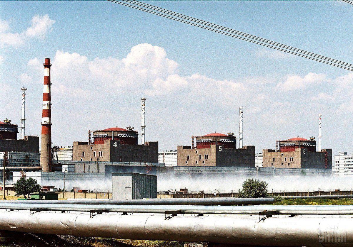 Один изэнергоблоков Запорожской АЭС разгружен наполовину
