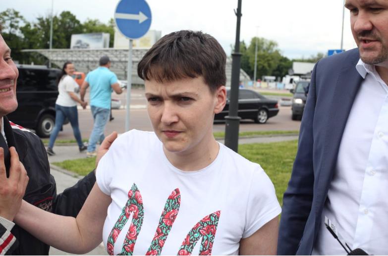 Надежда Савченко наконец в Украине / twitter @Bykvu