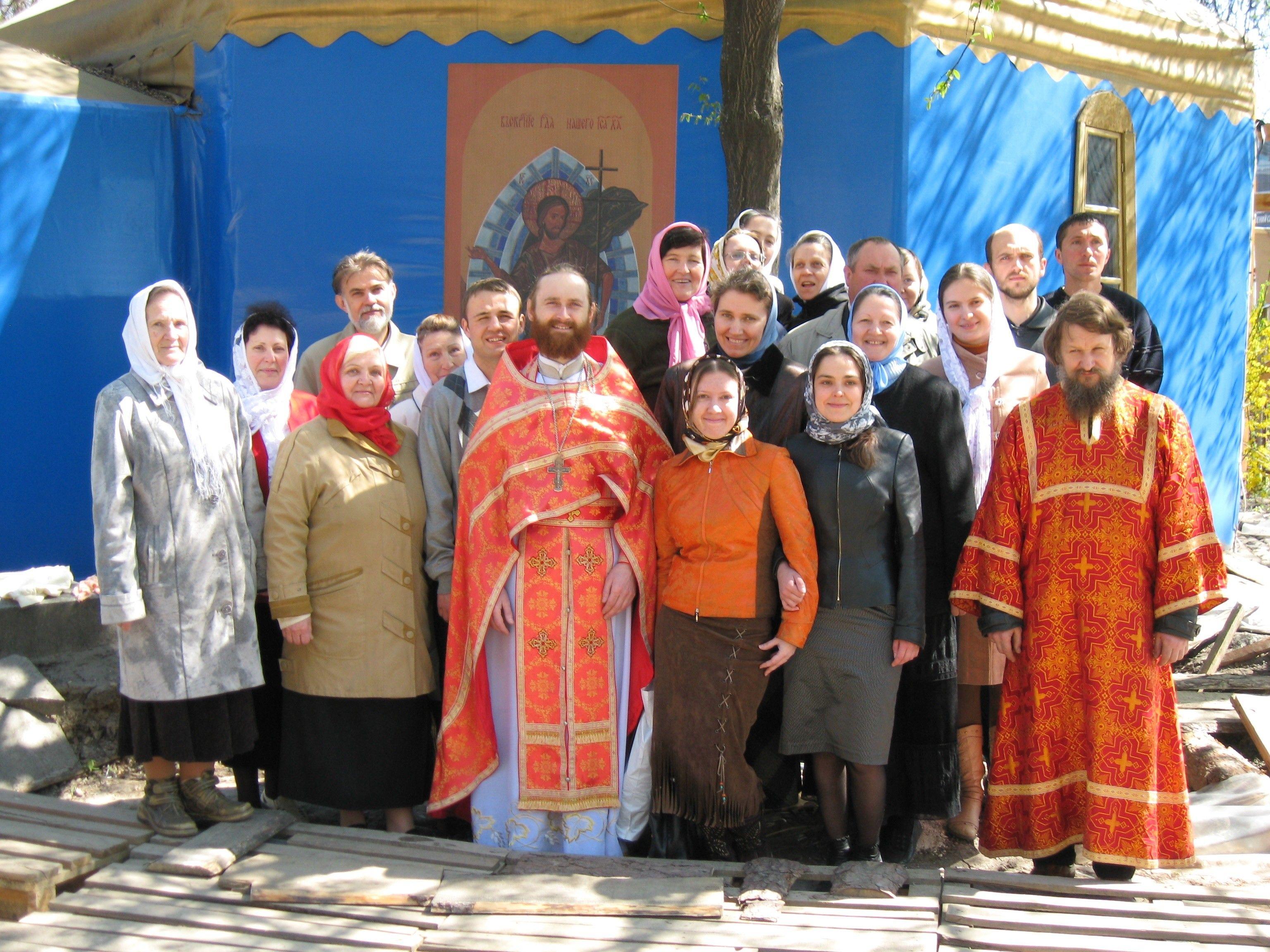 настоятель храма протоиерей Петр Семащук.